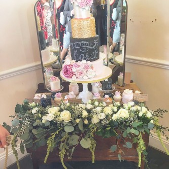 wedding cake stand hire gloucestershire wedding cake stands for hire bristol everything covered 25620